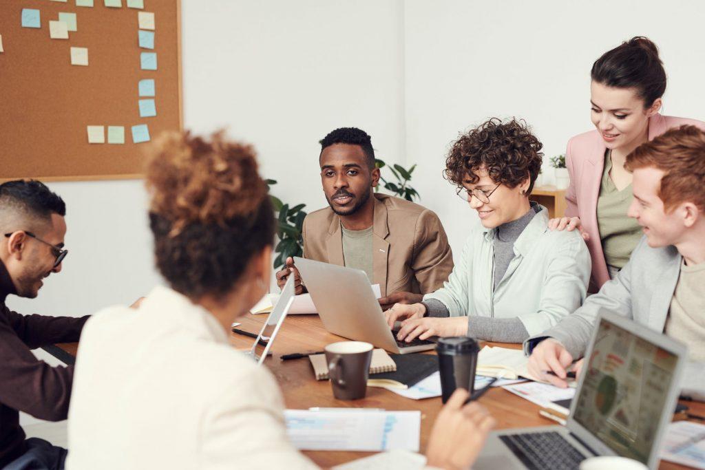 communication en entreprise : réunion trimestrielle